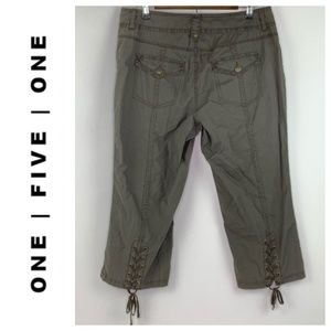 One5One Cropped Green Back Lace Up Capris 14